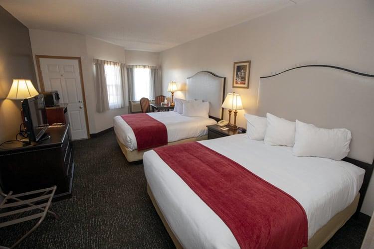 Roomwith2queens Hotelgrandvictorian