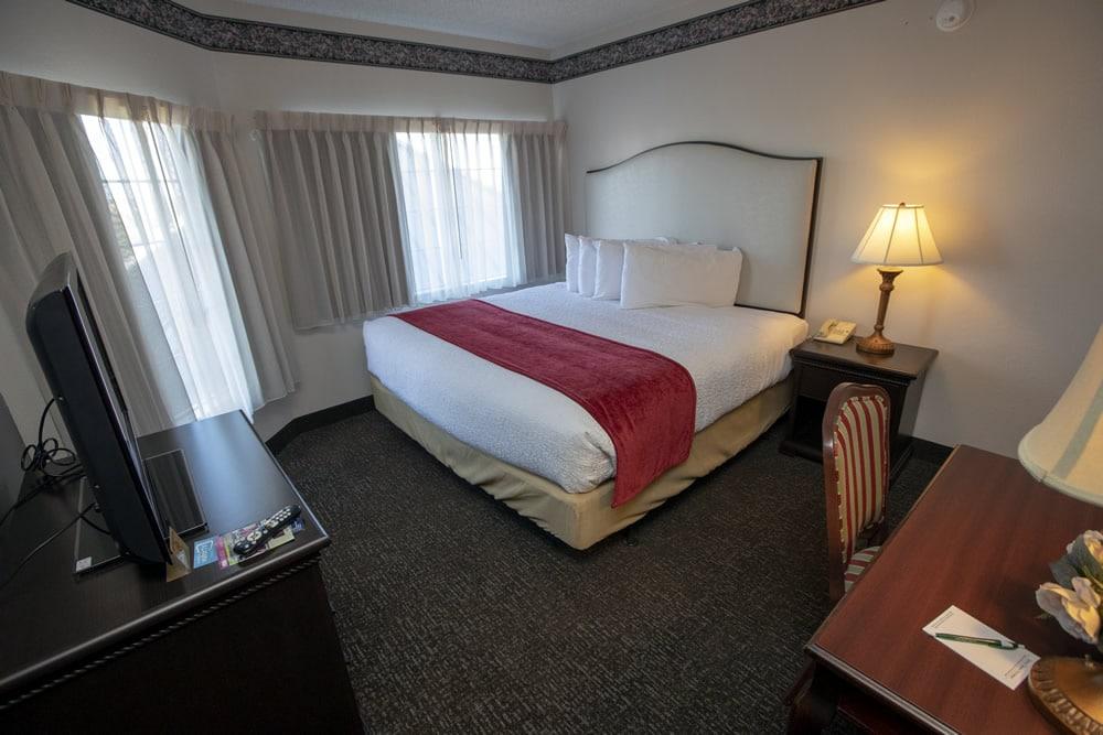Victoriansuite1 Hotelgrandvictorian Bransonmissouri
